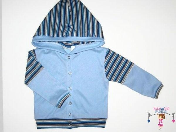 kisfiú kardigán, kapucnis, világoskék színű, kisbabáknak, termékkép.