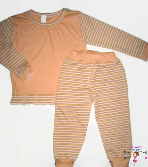 baba pizsama, hosszú ujjú felső hosszú nadrággal, barackszínű, kislányoknak, termékkép.
