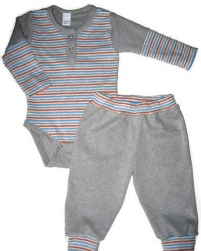 Body szett kisbabáknak, szürke csíkos, világosszürkével kombinálva, hosszú felemás ujjú body és színben hozzá illő szürke nadrág, termékkép.