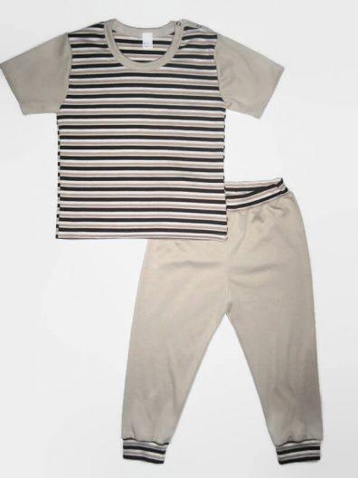 Fiú szett gyereknek, sötétbarna csíkos, drapp színnel variálva, rövid ujjú póló és színben hozzá illő hosszú drapp nadrág, termékkép.